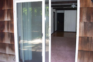 Centerport 1 Bedroom Apartment - Sliding Doors - RENTED